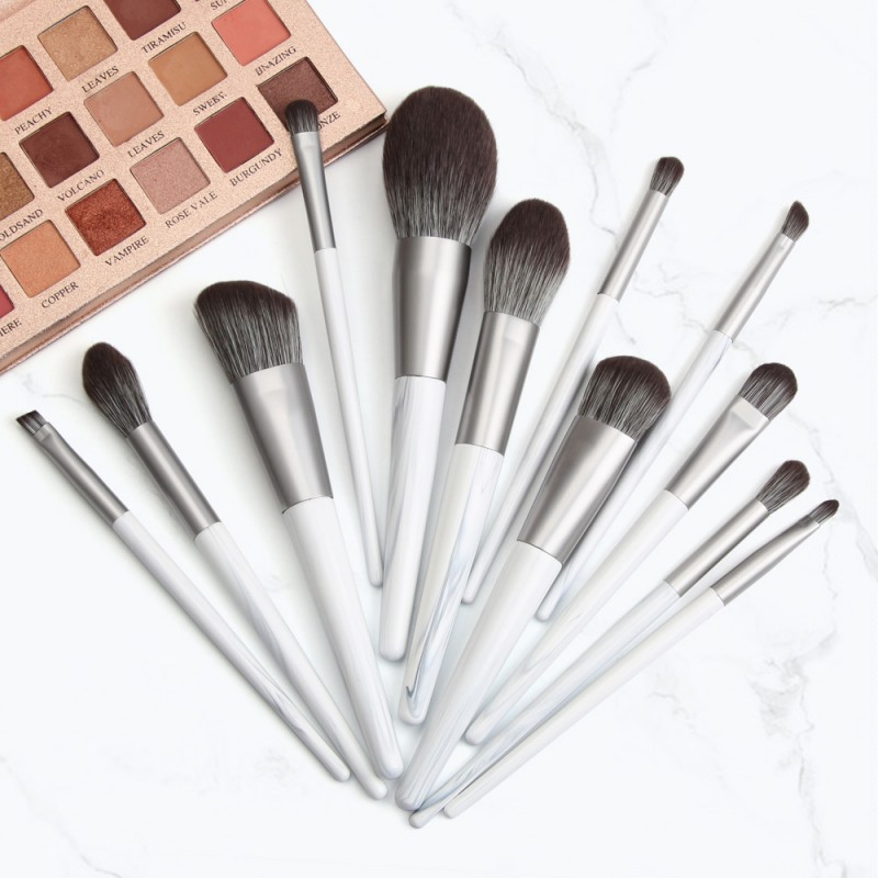 Latest Design Wooden Handle Private Label Nylon Hair Makeup Brush Set For Ladies Makeup Tools