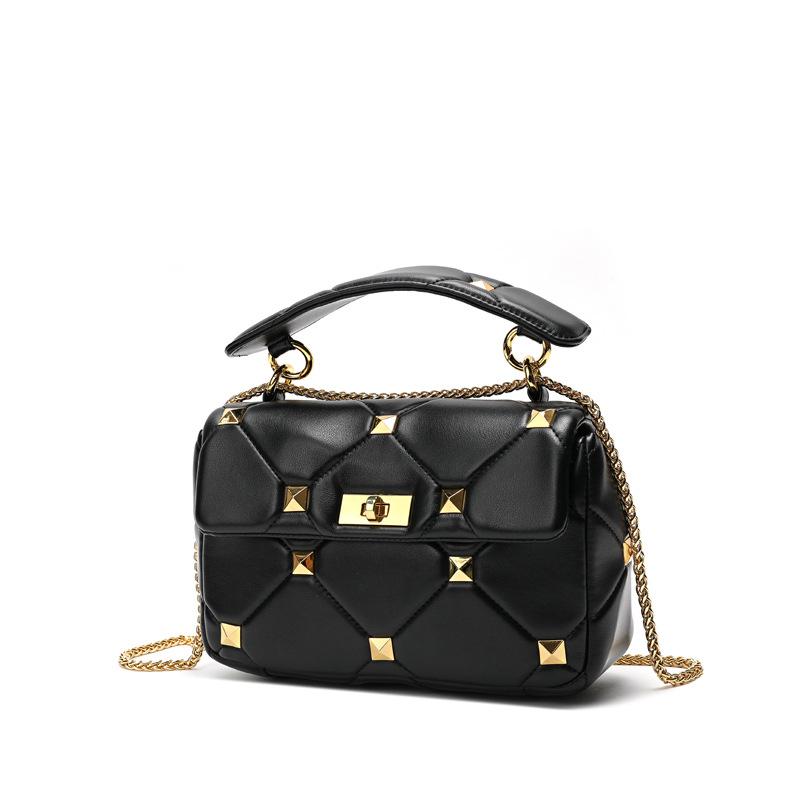 Luxury Women's Handbag Studs Bag Stud Quilted Bags Rivet Metal Fashion Trends Ladies Genuine Leather Bags Handbag